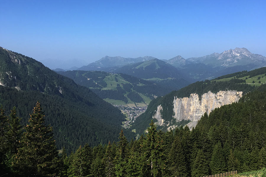 Family-Holiday-in-Morzine